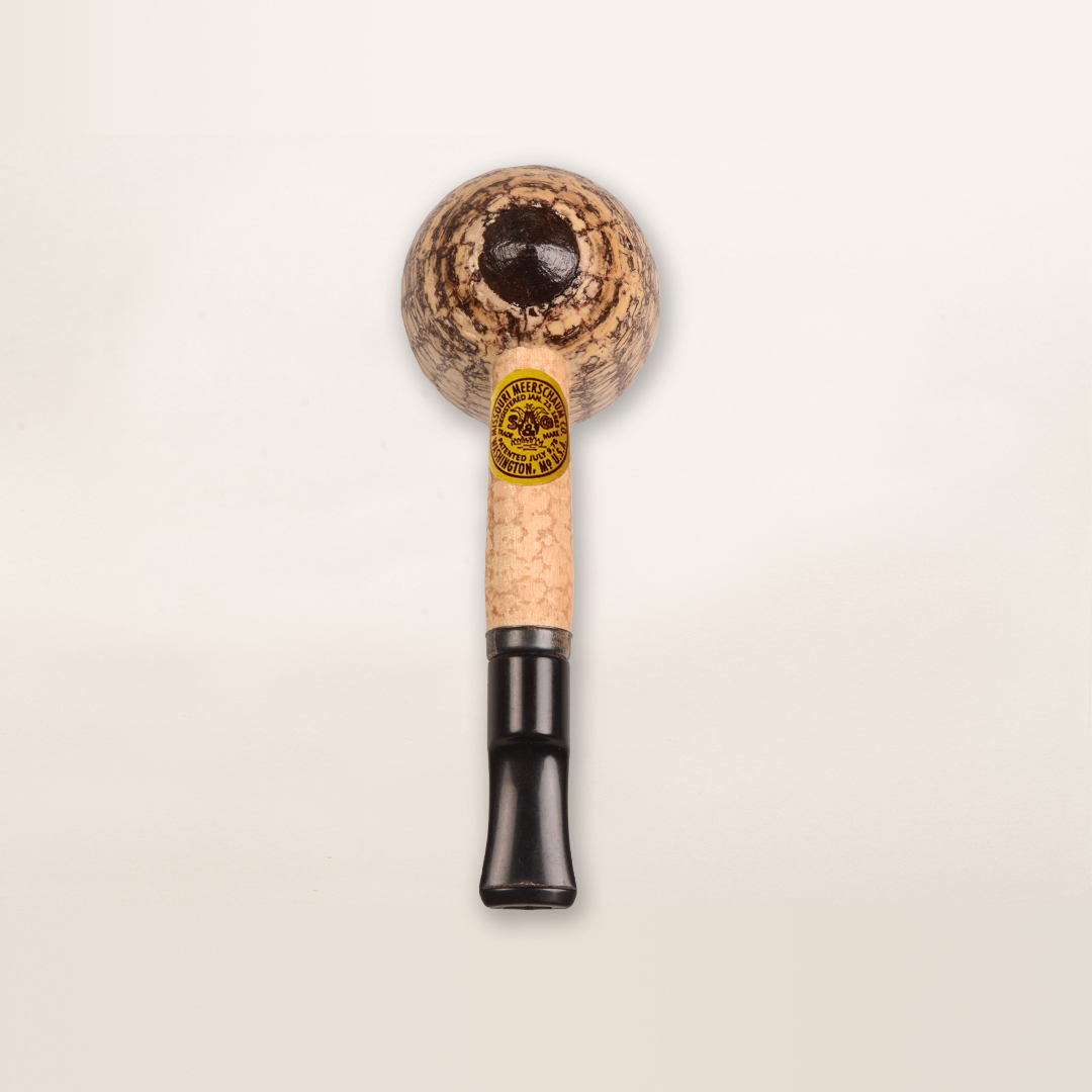 Stubby Corn Cob Pipe from Missouri Meerschaum (bottom view)